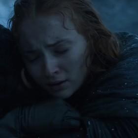"""Sophie Turner o czytaniu scenariusza 8. sezonu """"Gry o tron"""":  """"Na koniec wszyscy wstaliśmy, bijąc brawo i płacząc."""""""