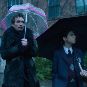 "Kadr z serialu ""The Umbrella Academy"""