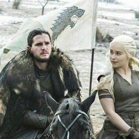"""Według gwiazdy """"Gry o tron"""" spotkanie Jona Snow i Daenerys jest bardzo niebezpieczne"""