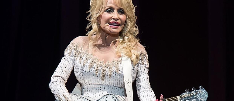 Wiemy, kto zagra Jolene w serialu Netfliksa na podstawie piosenek Dolly Parton