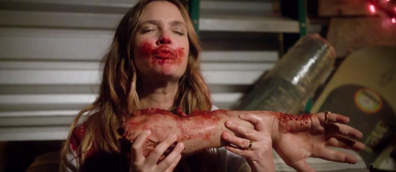 """Drew Barrymore jako zombie w zwiastunie """"Santa Clarita Diet"""""""