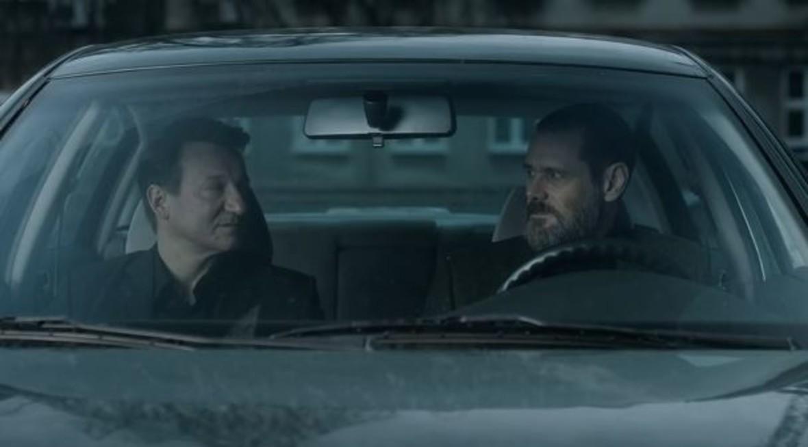 Jim Carrey i Robert Więckiewicz z filmie Prawdziwe zbrodnie