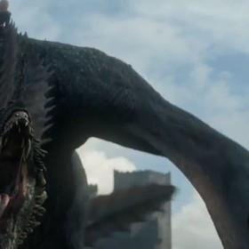 """Jon Snow oko w oko ze smokiem w zapowiedzi 5. odcinka """"Gry o tron"""""""