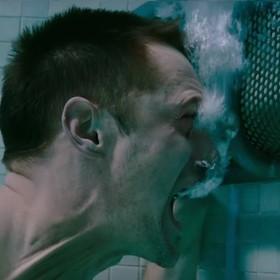 """Pierwszy zwiastun filmu """"Mute"""" - kolejnej cyberpunkowej wizji przyszłości od Netfliksa"""
