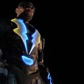 """Nowy superbohater w telewizyjnym świecie DC. Zobacz teasery serialu """"Black Lightning"""""""