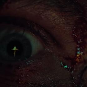 """Nowy zwiastun horroru Netflixa """"Apostoł"""" obiecuje prawdziwą grozę"""