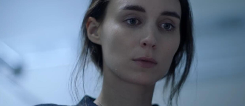 """Rooney Mara nawiedzona przez Caseya Afflecka w zwiastunie """"A Ghost Story"""""""
