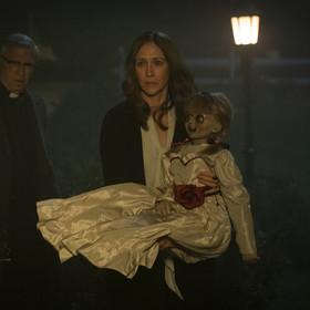 Annabelle sama w domu - zobaczcie zabawną parodię horroru o przerażającej lalce