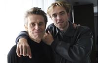 Willem Dafoe i Robert Pattinson