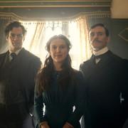 """Fani Henry'ego Cavilla zachwycają się jego Sherlockiem Holmesem: """"wygląda BOSKO"""""""