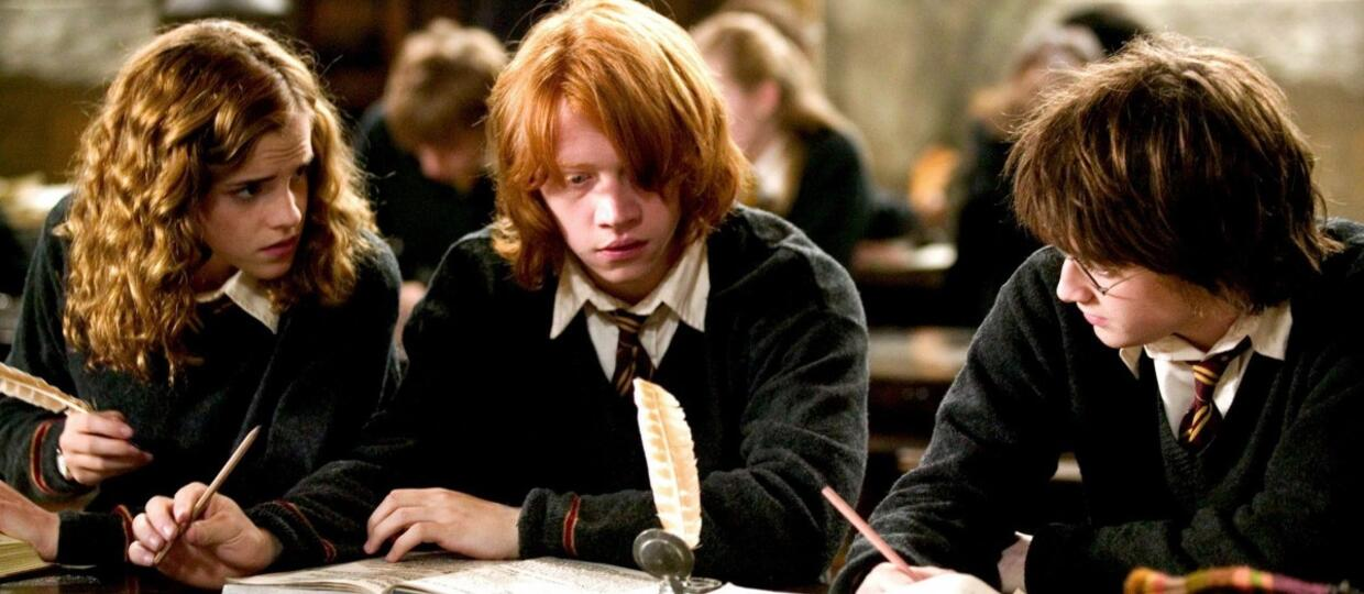 Foto: EAST NEWS/EVERETT COLLECTION HARRY POTTER AND THE GOBLET OF FIRE, Emma Watson, Rupert Grint, Daniel Radcliffe, 2005
