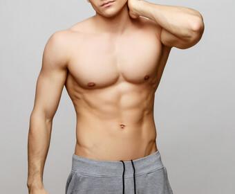 aktorzy bez koszulki