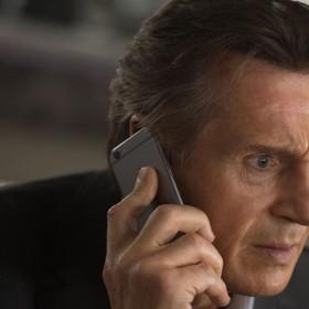 """Liam Neeson zagra ze swoim synem w filmie. Co wiemy o filmie """"Włoskie wakacje""""?"""