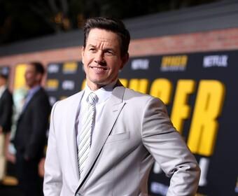 """Mark Wahlberg jednak z bujnym wąsem. Tak będzie wyglądał jako Sully z """"Uncharted"""""""