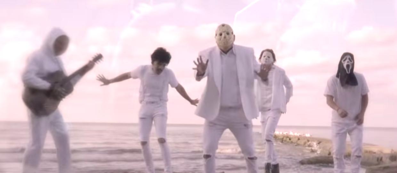 Przerażający boysband powraca! Posłuchaj nowego przeboju zespołu Slashstreet Boys