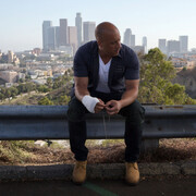 Vin Diesel - kadr z filmu Szybcy i wściekli 7