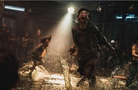 """Kontynuacja """"Zombie Express"""" nabiera tempa. Dostaliśmy nowy, przerażający zwiastun"""