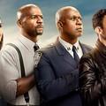 """""""Brooklyn 9-9"""" - twórcy usunęli 4 odcinki 8. sezonu po śmierci George'a Floyda"""