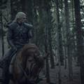 """""""Wiedźmin"""" - w sieci pojawiło się urocze zakulisowe zdjęcie z Geraltem i Ciri"""