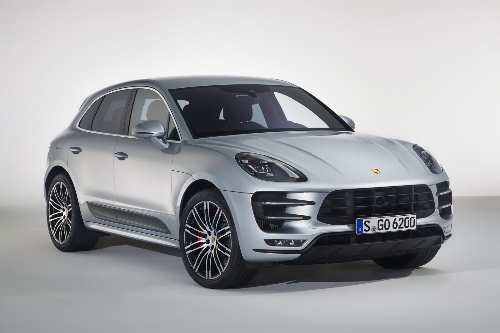 2016-PorscheMacanTurbo-PerformancePack-03