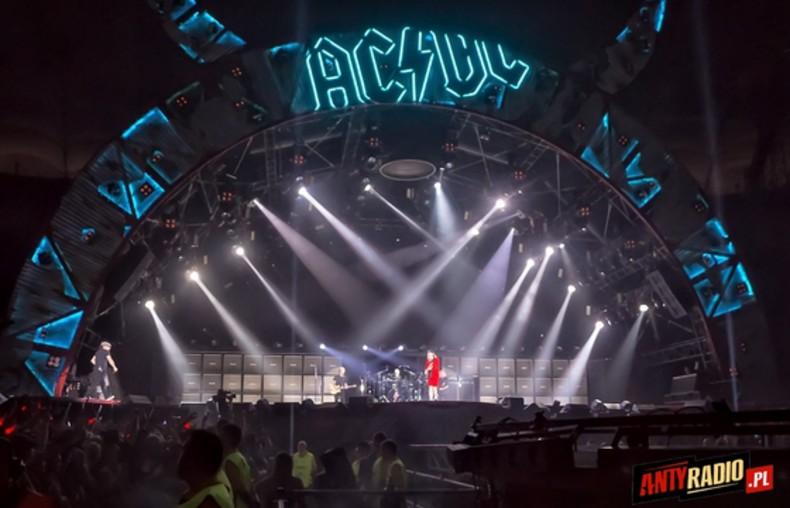AC/DC 1/40
