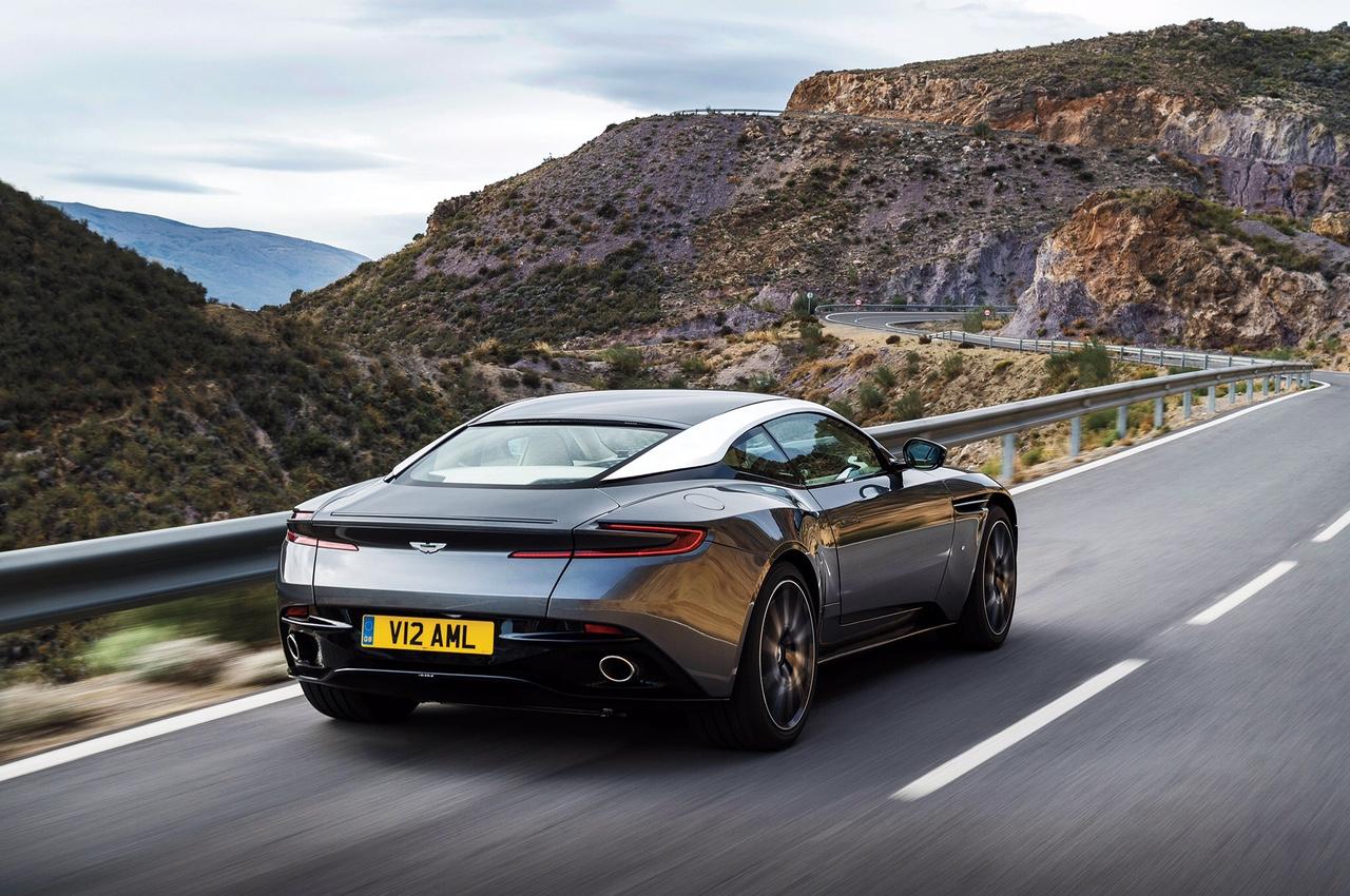 Aston Martin DB11 3