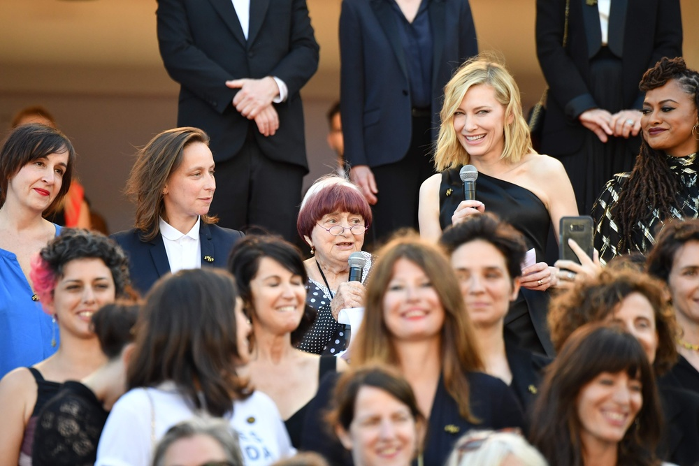 cate blanchett protest w Cannes