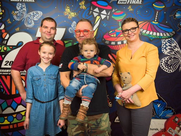Patrycja Krzymińska z rodziną podczas spotkania z Fundacją WOŚP