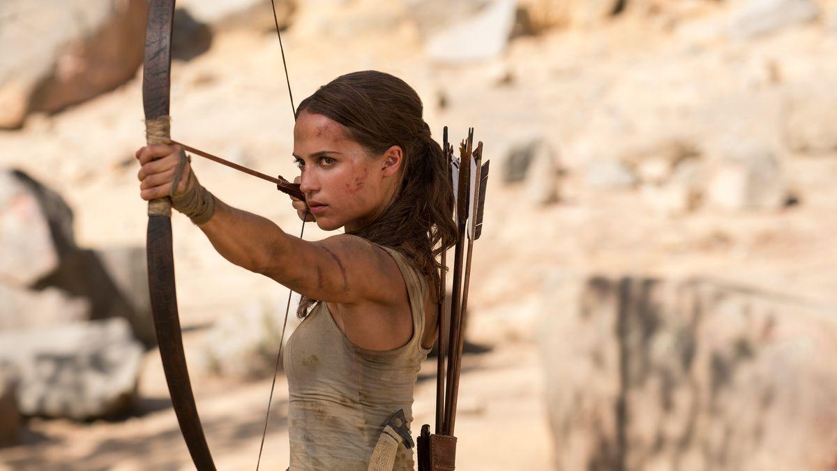 Alicia Vikander jako Lara Croft TOMB RAIDER