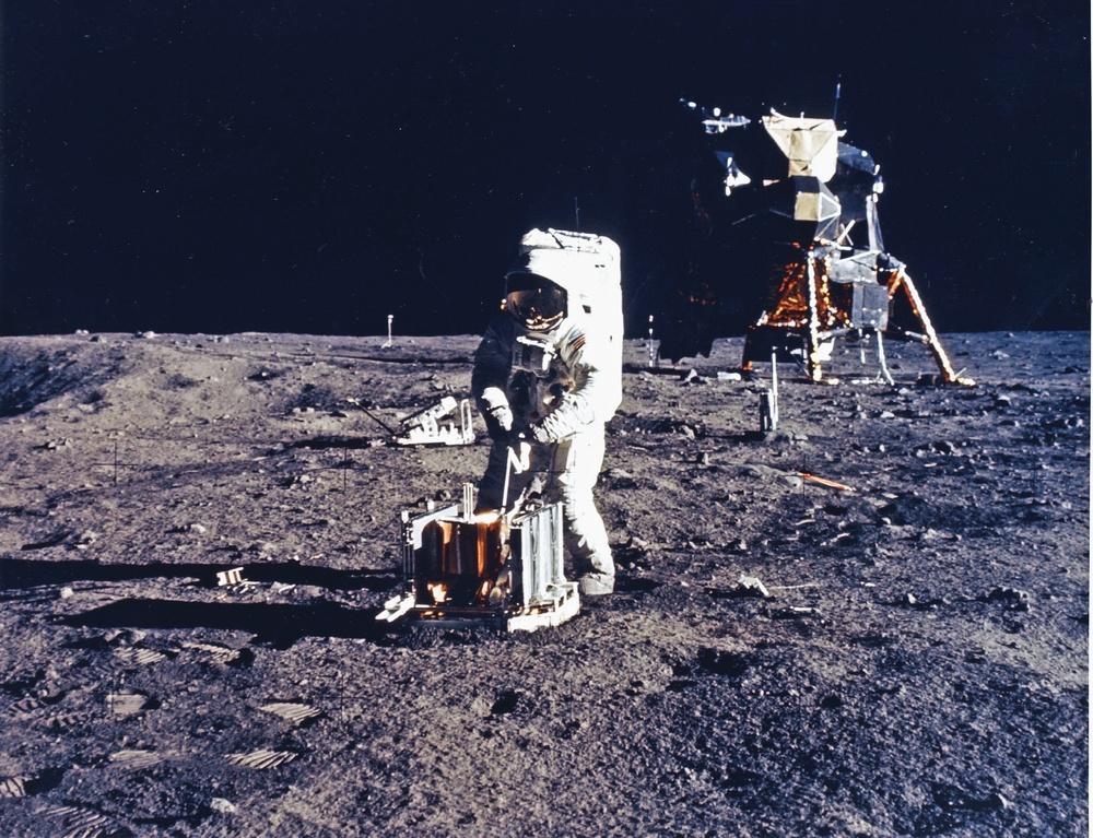 Lot na Księżyc