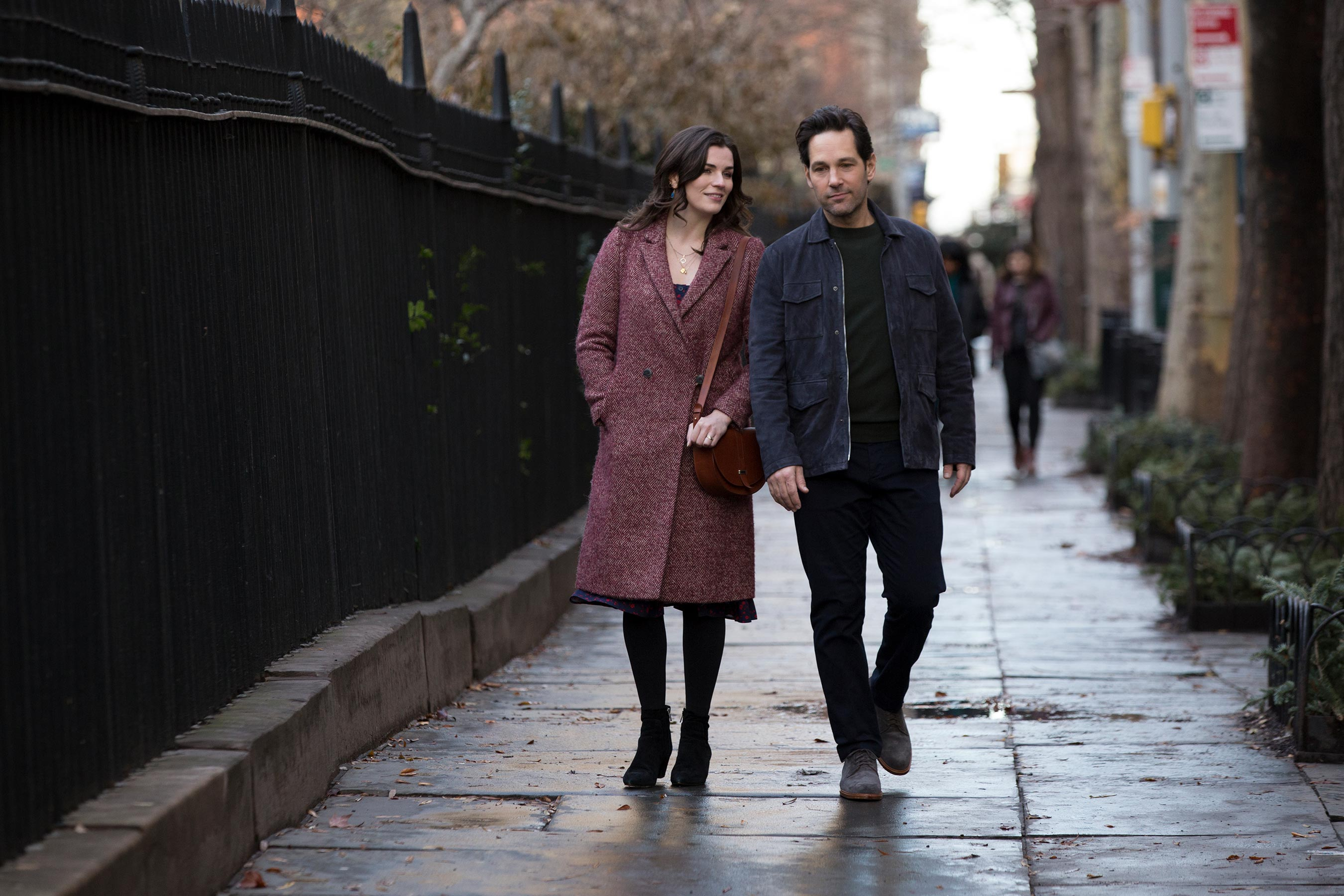 Paul-Rudd-and-Aisling-Bea-in-Netflixs-Living-With-Yourself-street
