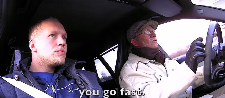 """""""Dziadek"""" driftuje w 510-konnym Mercedesie"""