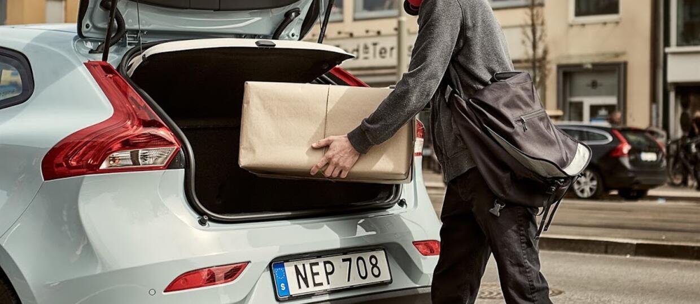 Kurier w 2 godziny dostarczy paczkę do Volvo