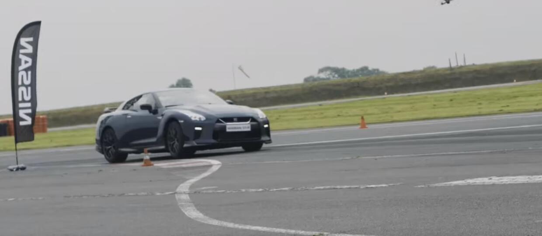 Nissan GT-R w starciu z superszybkim dronem