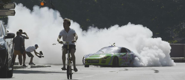 Petersburg w kłębach dymu – drift Toyotą Suprą