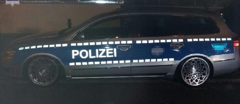 Policja złapała kierowcę Passata przerobionego na radiowóz
