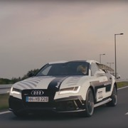 T-Rex wyleczony z depresji dzięki autonomicznemu Audi?