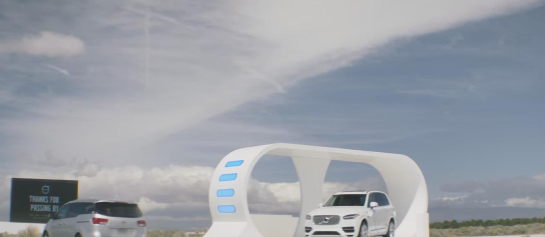 Volvo XC90 kradnie energię od innych samochodów