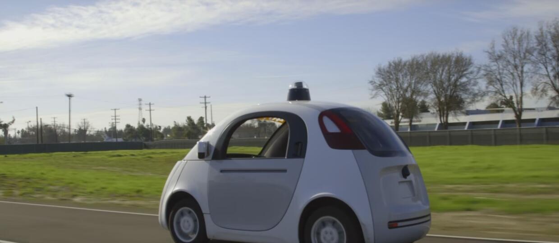 Google symuluje 4,8 mln km autonomicznej jazdy dziennie