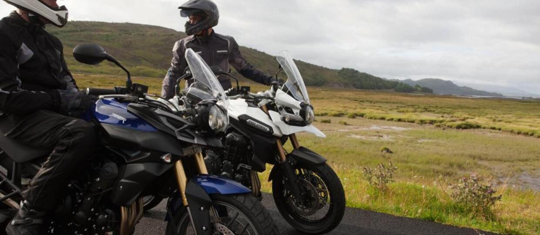Jazda motocyklem bezpieczniejsza dzięki autonomicznym autom