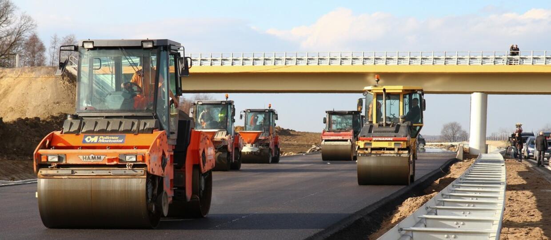NIK: Drogowcy budują autostrady, niszcząc lokalne drogi