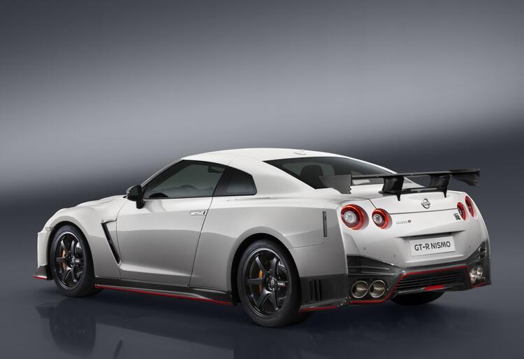 Nissan GT-R Nismo (3)