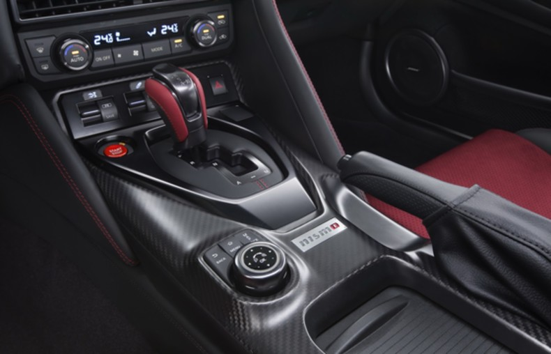 Nissan GT-R Nismo (7)