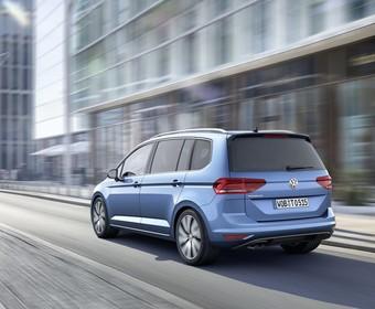 Nowy VW Touran już w salonach. Ile kosztuje?