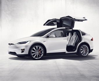 Tesla Model X – pierwszy w pełni elektryczny SUV