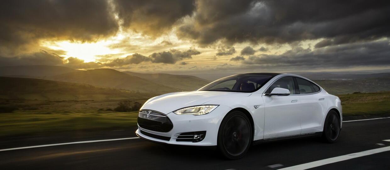 Tesla ograniczy funkcje autopilota