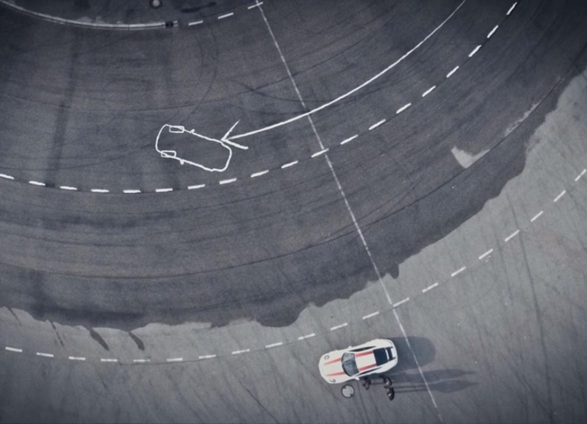 Techniki sportowej jazdy w Porsche 911 R