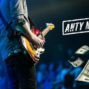 Jak szybko zostać bogaczem w branży muzycznej?