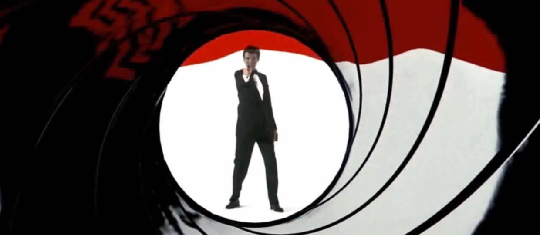 10 rockowych i metalowych coverów z filmów o Bondzie