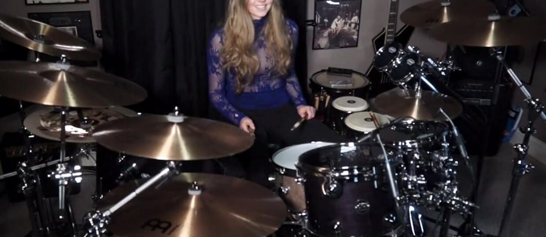 """14-latka zagrała na perkusji """"War Pigs"""" Black Sabbath"""